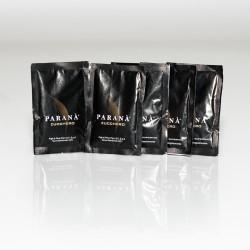 Pojemny karton, w którym znajduje się biały cukier Caffè PARANÀ, to praktyczne rozwiązanie dla restauracji - wewnątrz znajdziesz ponad 2 tysiące torebek białej przyjemności.