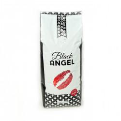 Kawa Black ANGEL 100% arabika to mocne kawowe uderzenie, przyjaciel poranka i produkt specjalnie przygotowany dla najbardziej wymagających kawoszy.   Do każdego kilograma kawy Black Angel 100% arabika dokładamy w prezencie filiżankę cappuccino Black Angel.